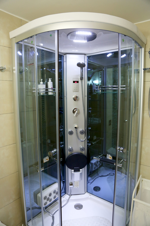 Kenya Airports Authority : Toilets & Showers